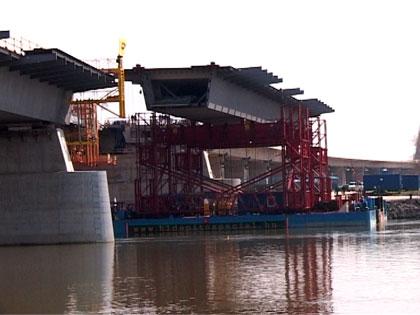 Összeáll a Nemcolbert híd