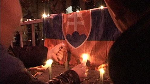 Zászlóégetés a nagykövetségnél