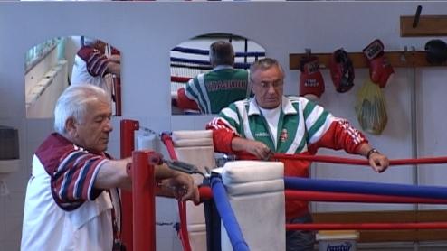 A bokszolókat megpróbálta az élet